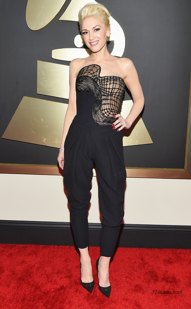 gwen-stefani-grammy-2015-red-carpet-atelier-versace 4