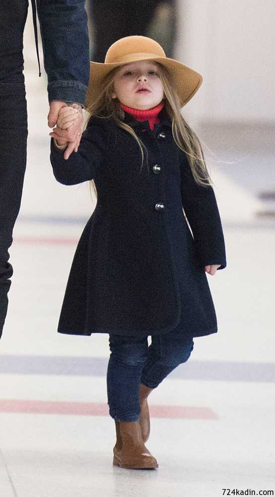 harper-beckham-hat-february-2015-gallery__large