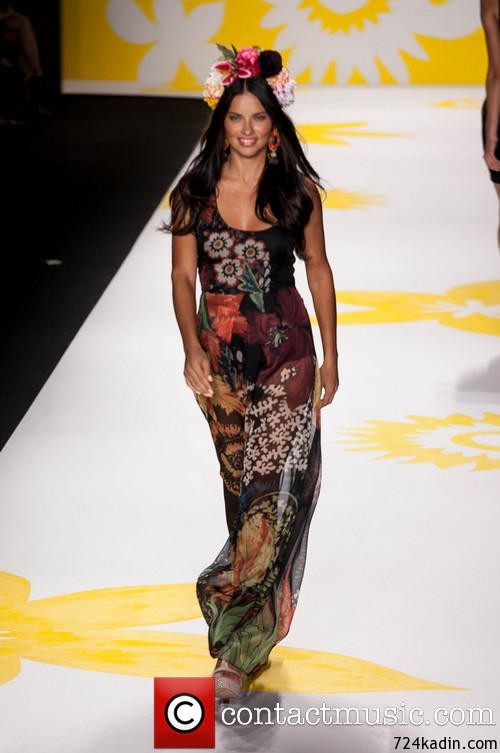 runway-adriana-lima-mercedes-benz-fashion-week-spring-2015_4353877
