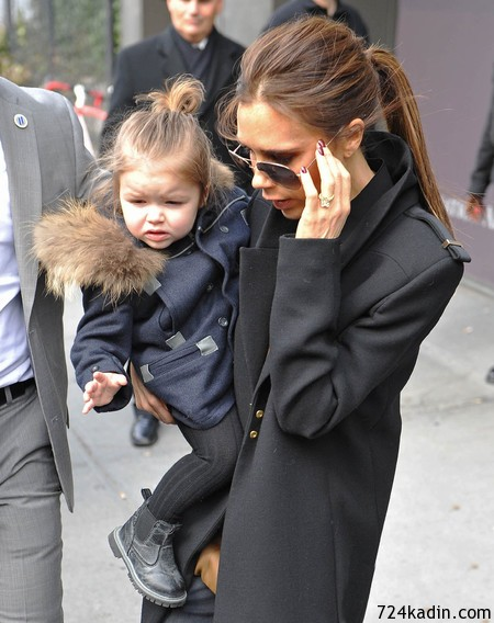 victoria-beckham-new-york-fashion-week-military-coat-harper-beckham