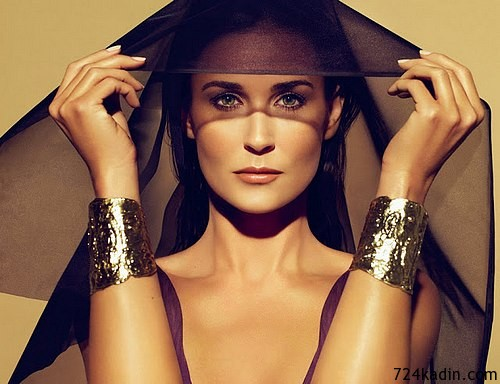 Demi-Moore-for-Helena-Rubinstein-2012