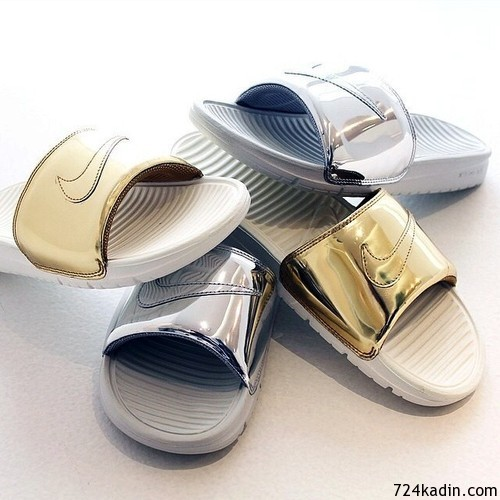 Nike-Benassi-Slides-Metal-pack