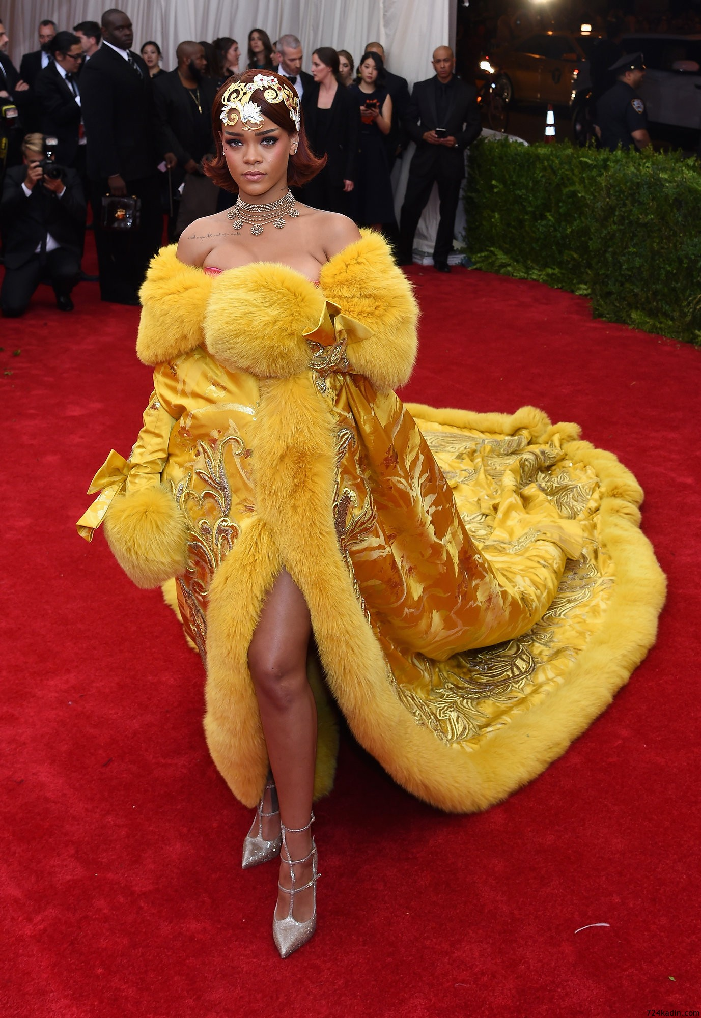 rihanna-met-gala-2015-best-dressed
