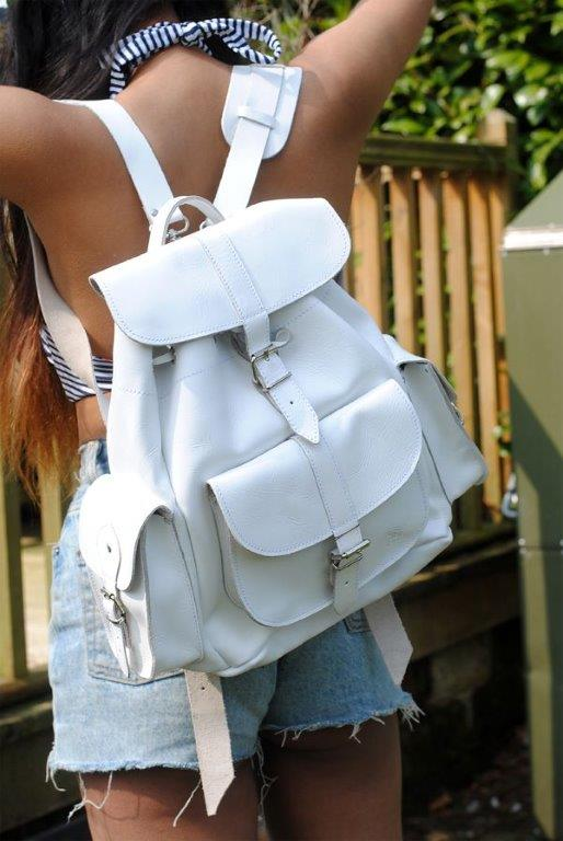 backpack_white