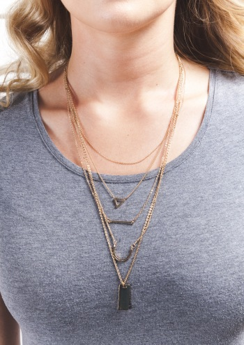 simple-and-elegant-gold-layered-necklace